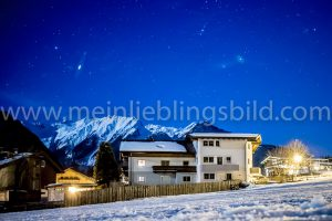 Nachtfoto, Nachtaufnahme Berge, Sterne, Schnee auf Leinwand, Alu Dibond, Acryl
