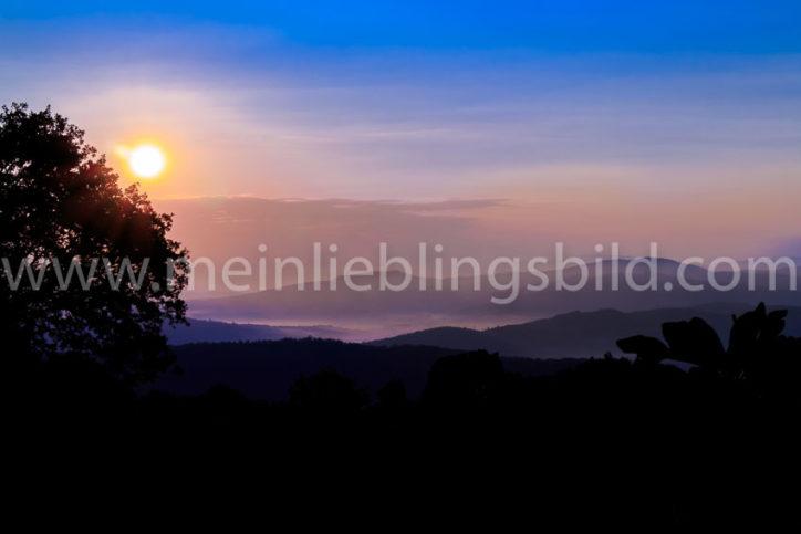 Sonnenaufgang in der Toskana Acryl, Alu Dibond, Leinwand, Poster