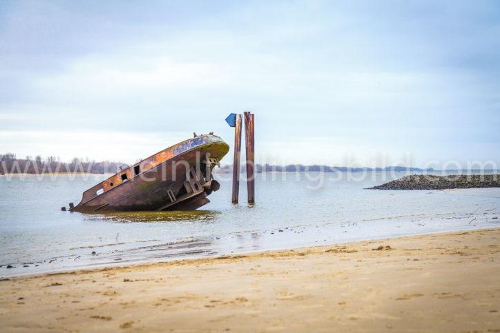 Schiffswrack Elbstrand Uwe Wandbild kaufen Acryl, Alu Dibond, Leinwand, Poster