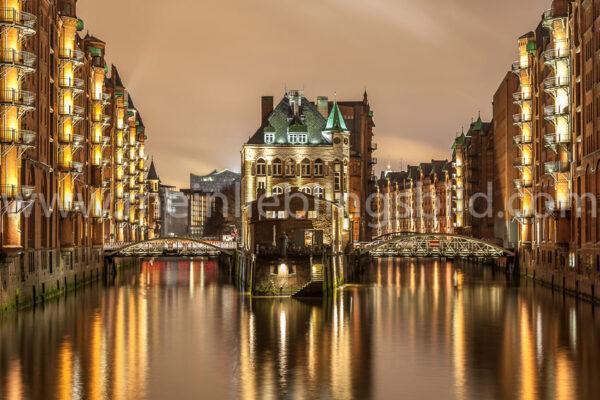 Speicherstadt Hamburg Wasserschloss Hamburg Acryl, Alu Dibond, Leinwand, Poster